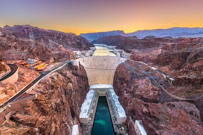 your-guide-to-the-hoover-dam.jpg